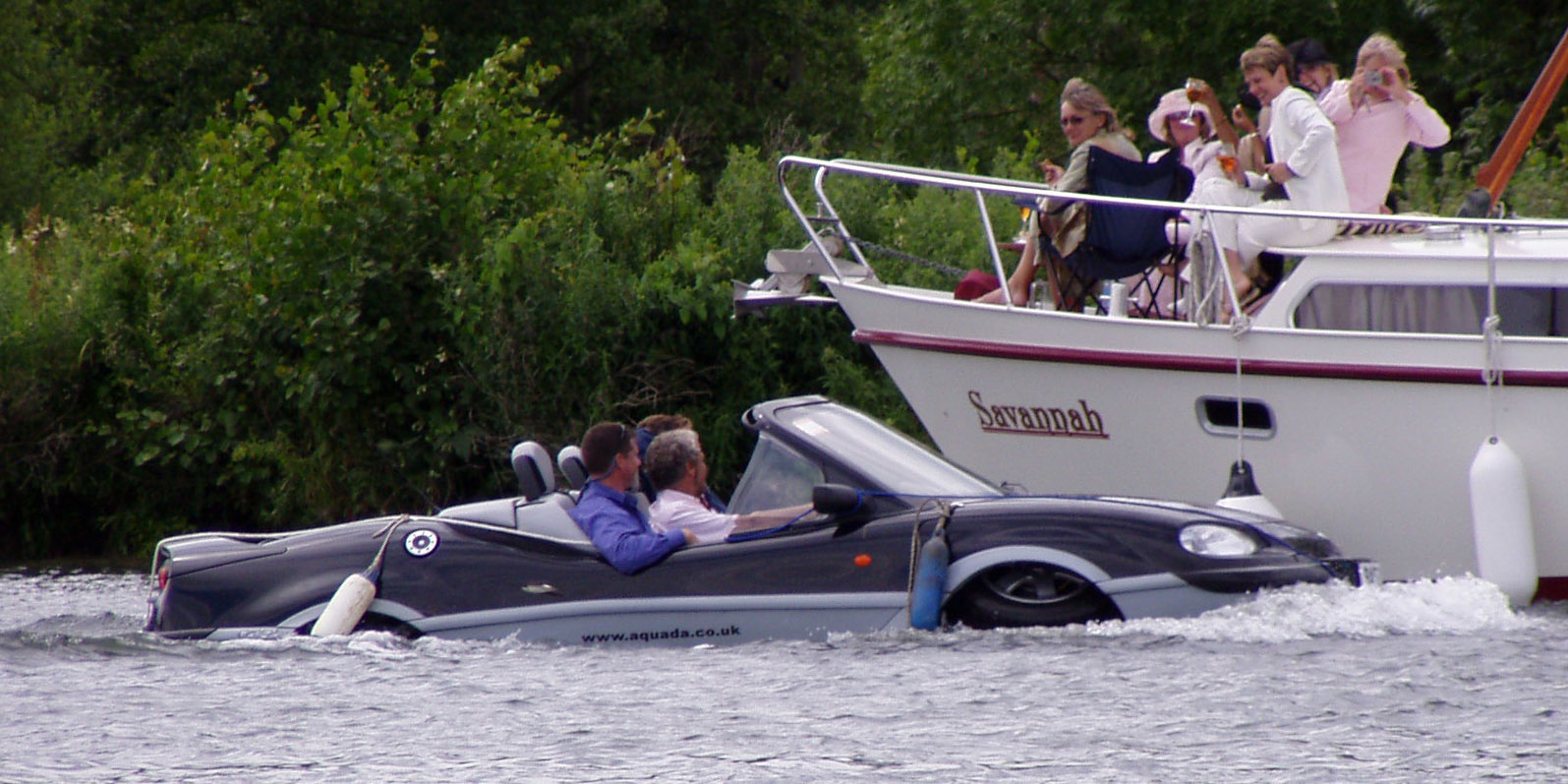 aquada car also a boat