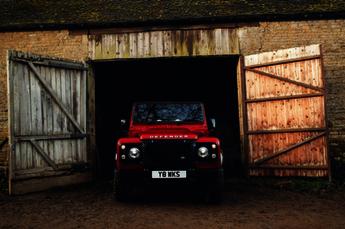 Land Rover V8 Works Defender