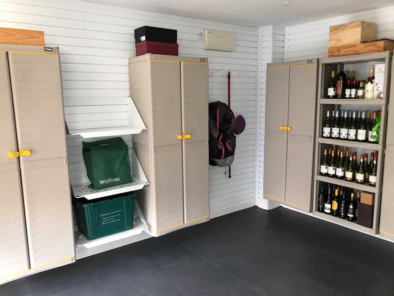 clean garage organised tidy floor walls solutions garageflex