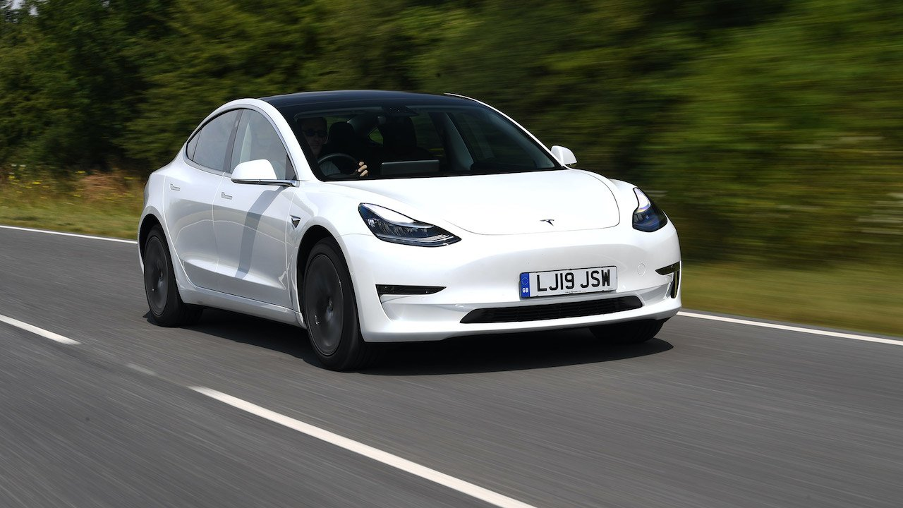 what are the advantages of buying an electric car