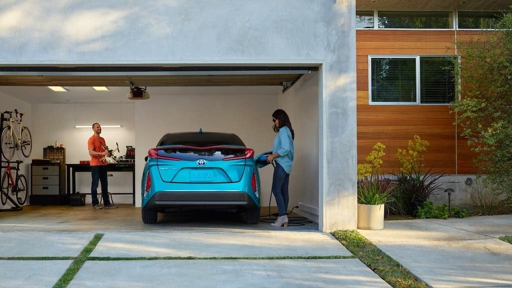 What are the disadvantages of buying an Electric vehicle
