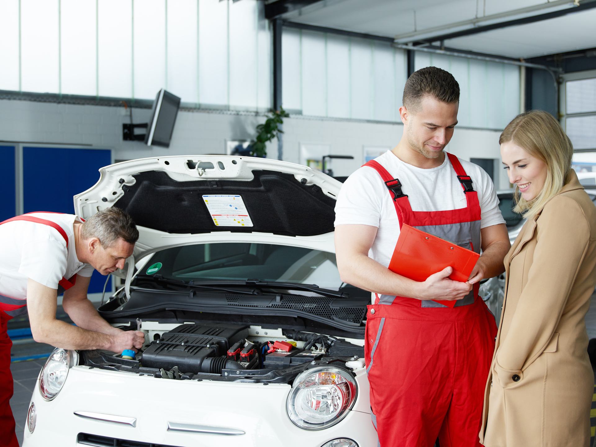 MOT and servicing booking together saving you money